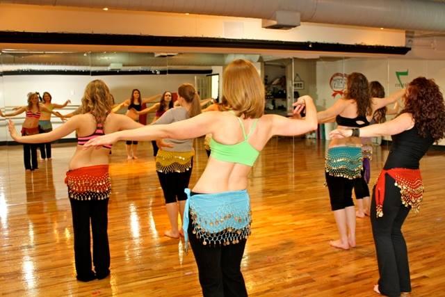 польза танца живота для женщин и почему