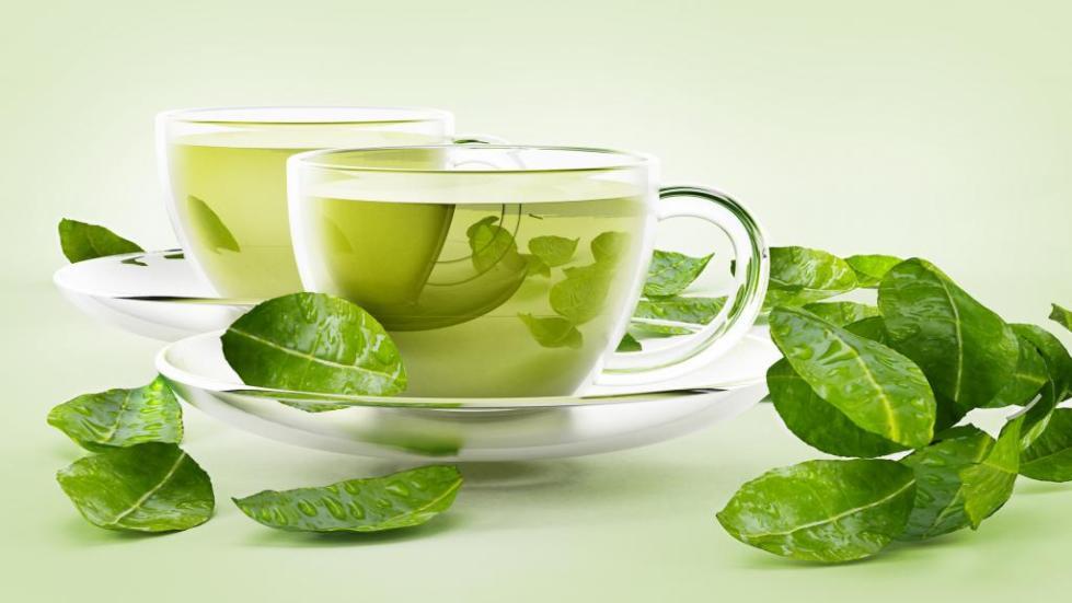 чашка с зеленым чаем