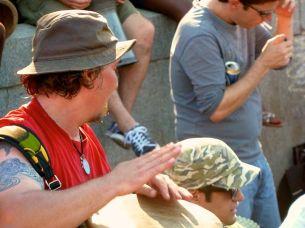 Trommler mit rotem Shirt bei den Tam Tams in Montréal