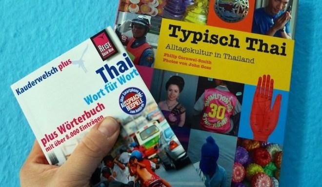 Wörterbuch Thai und Buch über Alltag in Thailand