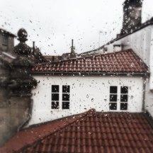 Haus gegenüber im Regen Santiago de Compostela