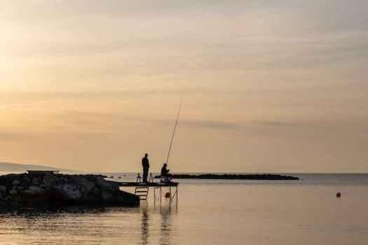 Ob da wohl einer anbeisst? Der Köder muss dem Fisch gefallen, nicht dem Fischer. Die Texterin hilft dabei.