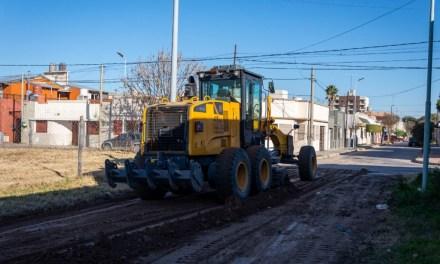 Se intensifica el mantenimiento de calles de tierra