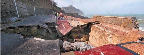 Paseo Nuevo: Die Wucht der Wellen hat zugeschlagen