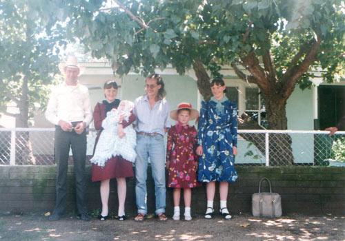 Markus (mitte) bei den Mennoniten