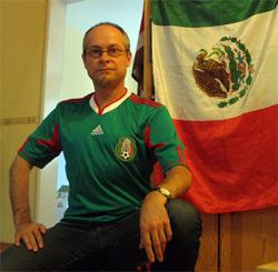Voller Stolz im Mexiko-Trikot