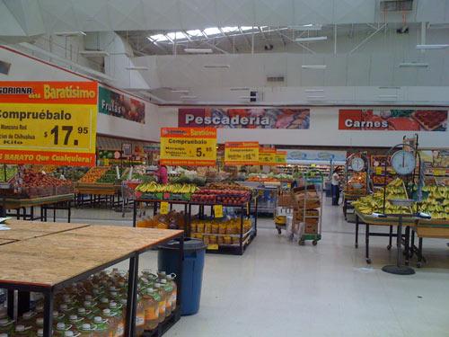 Auf den 1. Blick kaum anders als bei uns: die Obst- und Gemüseecke im Supermarkt Soriana