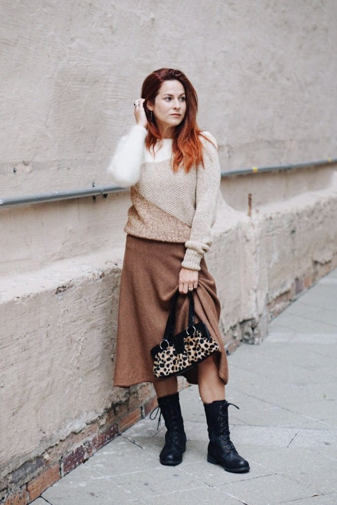 vintage styling, how to wear vintage today, street wear, #streetstyle, styling with combat boots, sweater sets