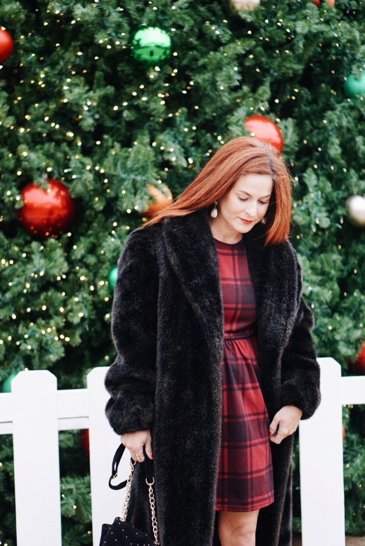 vintage coat, fur coats, holiday outfit inspo, red hair,
