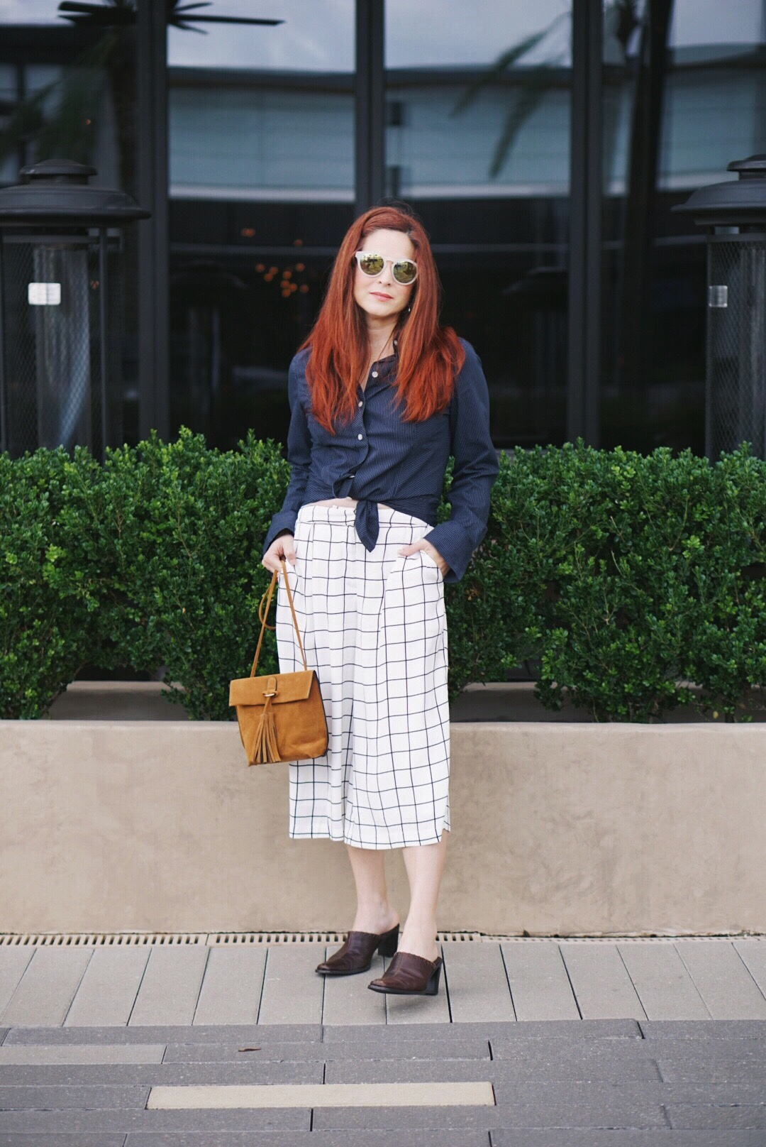 brown mules, fringe bag, suede crossbody, culottes, red hair inspiration, white round sunglasses, forever 21, old navy, striped navy shirt
