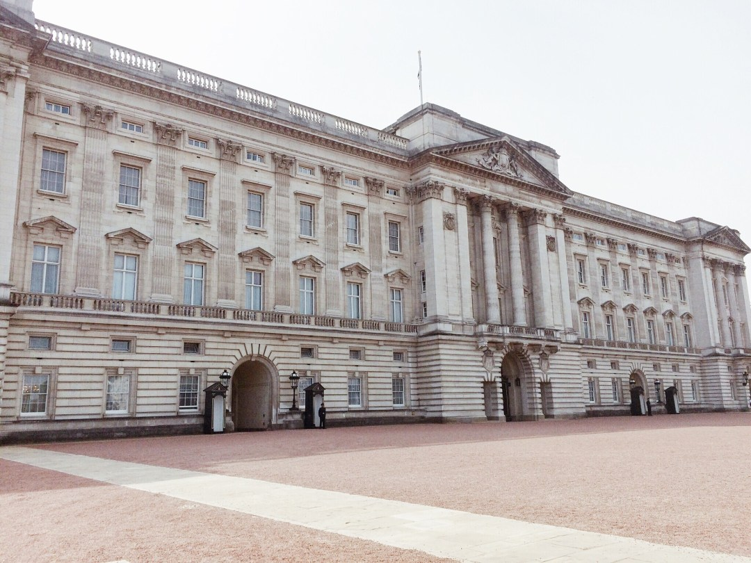 Buckingham Palace, London, United Kingdom, places to see in London, royalty buildings