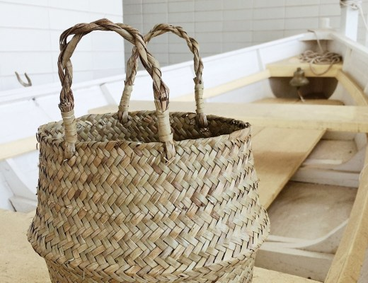 belly baskets, basket bag ideas, how to style belly basket handbags, boats,