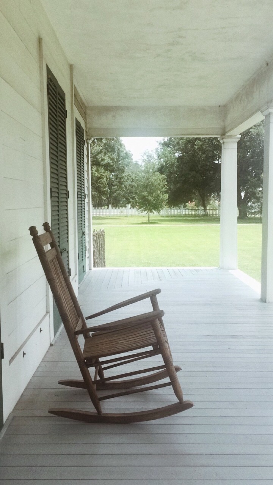 be still and know that I am God, rocking chairs, thinking chairs, labor day weekend, ways to spend time with God, how do you know when God is speaking to me, how do I know if it is God, God moments,