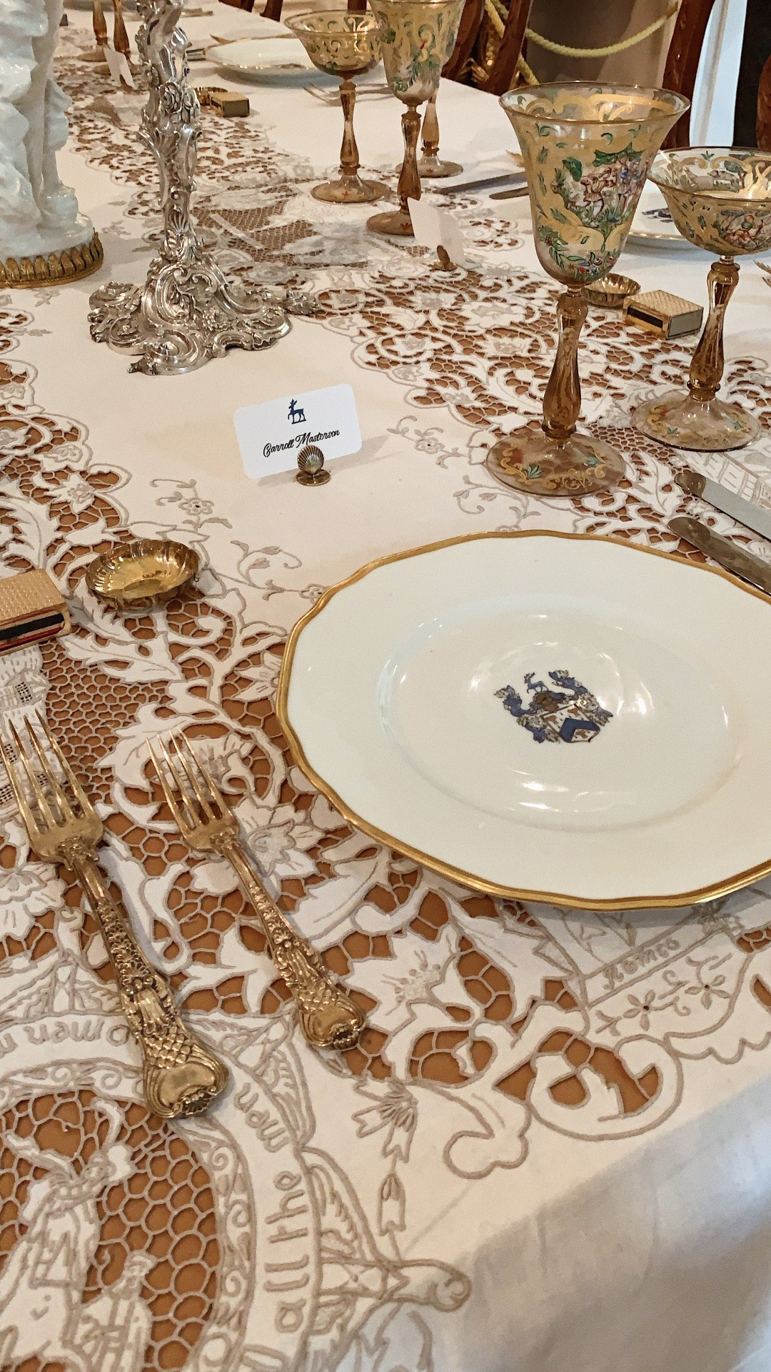 formal dining place settings