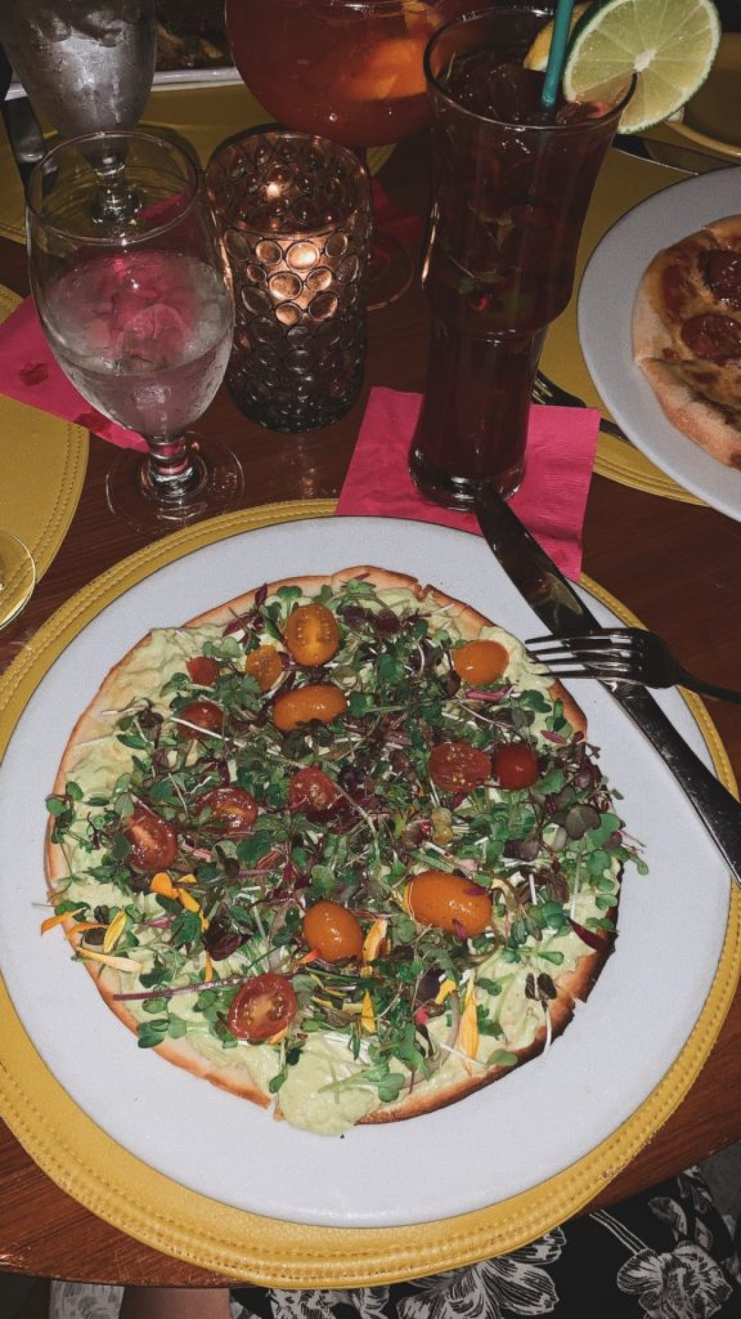 The Tropicale in Palm Springs, flatbread, foodie