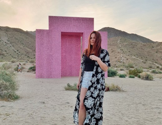 places to take pictures in California, Palm Spring spots, kimono outfit ideas