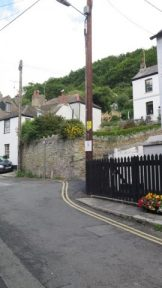 Looking towards Chapel Ground from West Looe General Stores