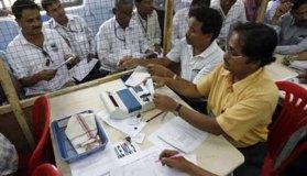 वोटों की गिनती शुरू : उत्तर प्रदेश में सपा ,गुजरात में भाजपा आगे