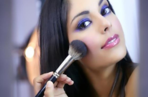 make up indian woman