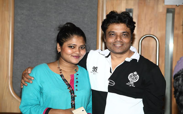 Director Abhik Bhnau records Title track for his film gun pe done