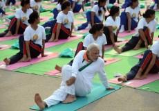 योग के दौरान ऊँ मंत्र का जाप, मुस्लिम धर्मगुरु भड़के