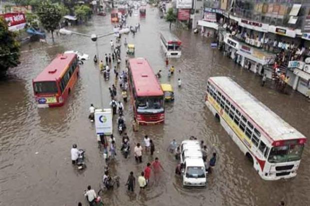 Rain havoc in Gujarat, stagnating Kedarnath trip