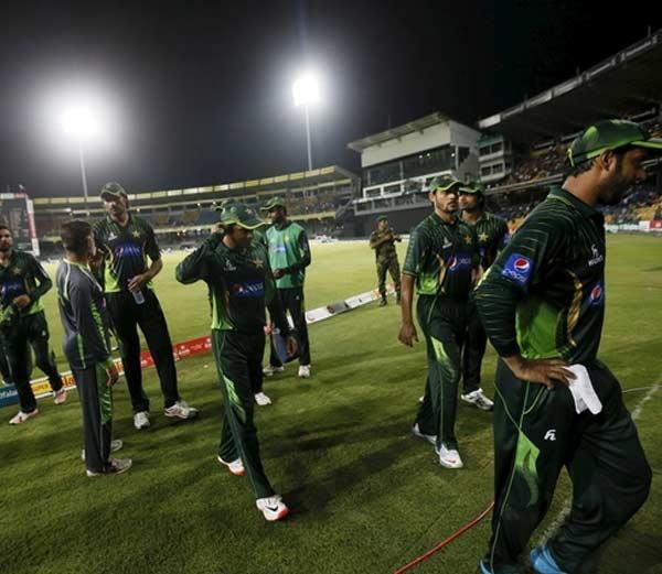 Pakistani players hurled stones
