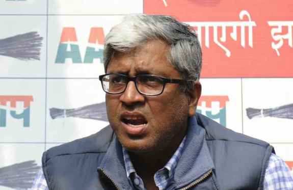 New Delhi: AAP leaders Dilip Pandey and Ashutosh addresses a press conference in New Delhi, on Feb 18, 2015. (Photo: IANS)
