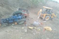 शिवपुरी में सड़क हादसा, 8 श्रद्धालुओं की मौत, 50 घायल