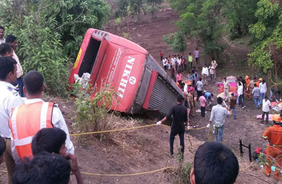 bus-accident-pune-mumbai-759