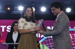 सानिया मिर्ज़ा 'इंडियन आफ द ईयर 2015' से सम्मानित