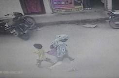 इंदौर: मासूम का अपहरण, आरोपी महिला सीसीटीवी में कैद