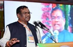 प्रधानमंत्री मोदी में भारतीय संस्कृति का रंग : फग्गन सिंह