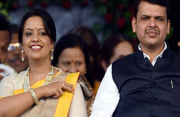 maharashtra CM Fadnavis-Wife
