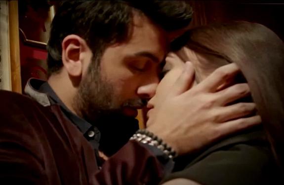 ranbir-aishwarya-intimate-scene