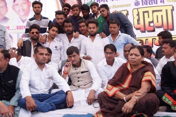 congress-bjp-war-of-words-notbandi-modi-rahul-gandhi