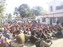 कटनी एसपी मामला: महिलाओं ने सौपी चूड़ियां, 200 गिरफ्तार