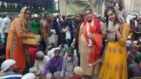 हिन्दू महिला जो पिछले 18 सालों से करा रही हैं रोजा इफ्तार