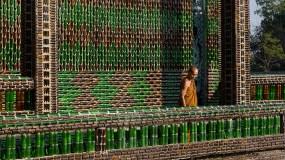 अनोखा मंदिर जो बना है बीयर की खाली बोतलों से