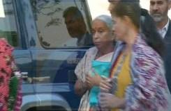 Video : इस्लामाबाद में परिवार से मिले कुलभूषण जाधव