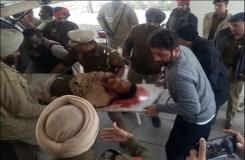 प्रदर्शन कर रहे छात्रों को समझाने गए DSP ने खुद को गोली मारी