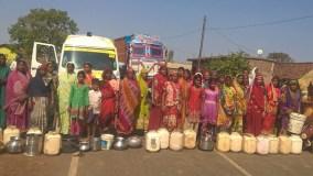 पानी की समस्या से जूझ रही महिलाओं का फूटा गुस्सा, लगाया जाम