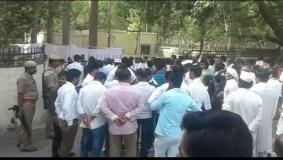 अमेठी में राहुल गांधी ने लगाया जनता दरबार