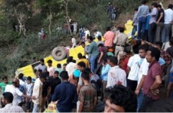 हिमाचल : खाई में गिरी स्कूल बस, 23 बच्चों की मौत