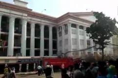कोलकाता ; मेडिकल कॉलेज में लगी आग, दमकल विभाग ने सुरक्षित निकाले 250 मरीज
