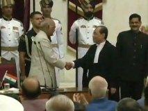 देश के 46वें चीफ जस्टिस बने जस्टिस रंजन गोगोई, राष्ट्रपति ने दिलाई शपथ