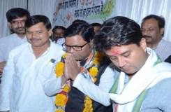 सिंधिया के खिलाफ चुनाव लड़ने वाले BSP प्रत्याशी कांग्रेस में शामिल