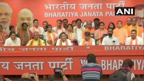 टीएमसी विधायक और 12 पार्षद भाजपा में शामिल