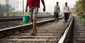 पीएम मोदी ट्रेन से करें सफर, पता चलेगा कितने लोग खुले में शौंच करते हैं: सीपीआई सांसद