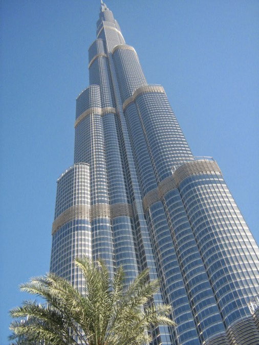 visit the burj khalifa the tallest building in the world